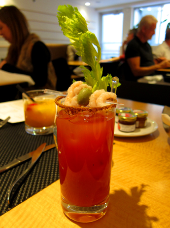 Nyc restaurant reviews la silhouette s brunch french for Hell s kitchen restaurant la
